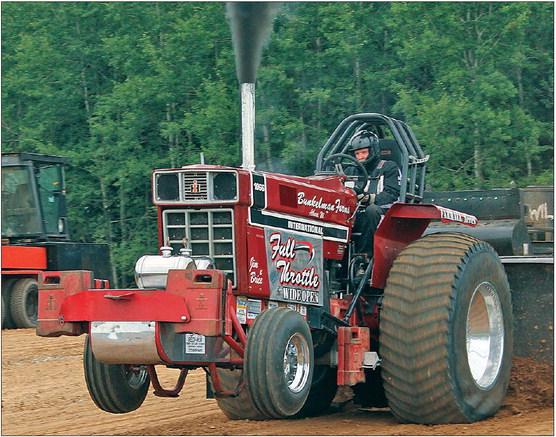 Edgar FFA truck/tractor pull