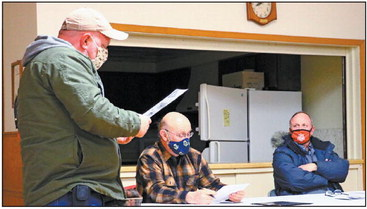 Lake Holcombe Town Board; Stickers required for admittance to yard waste site